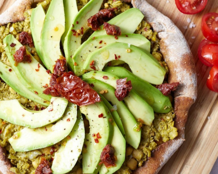 Pizza de Avocado e Tomate Seco